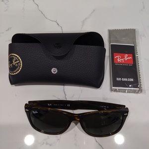 Brand New Men Size Brown wayfarer sunglasses